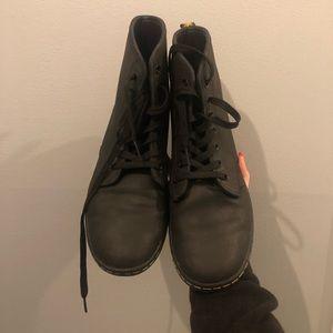 Dr. Marten Women's Shoreditch Boot